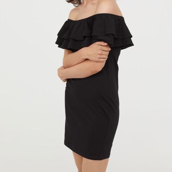 H&M Dresses & Skirts - H&M Off The Shoulder Dress